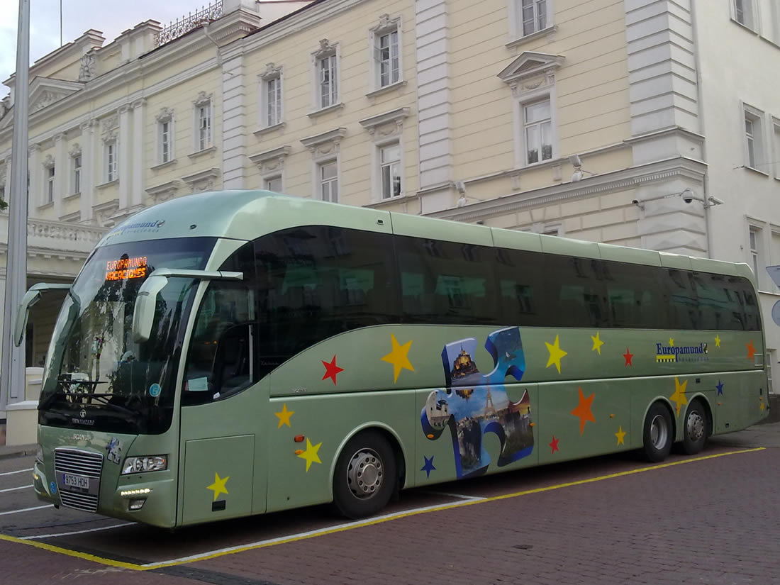 bus_tata02